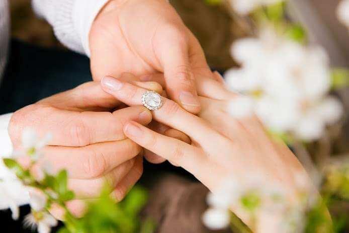 Engagement Rings inspirited by Art Deco Era