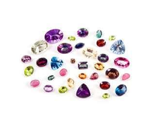 Colours in Diamonds