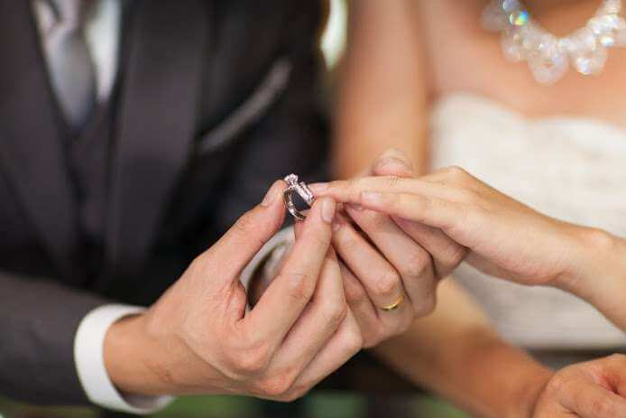 3 mistakes boys make while purchasing engagement ring