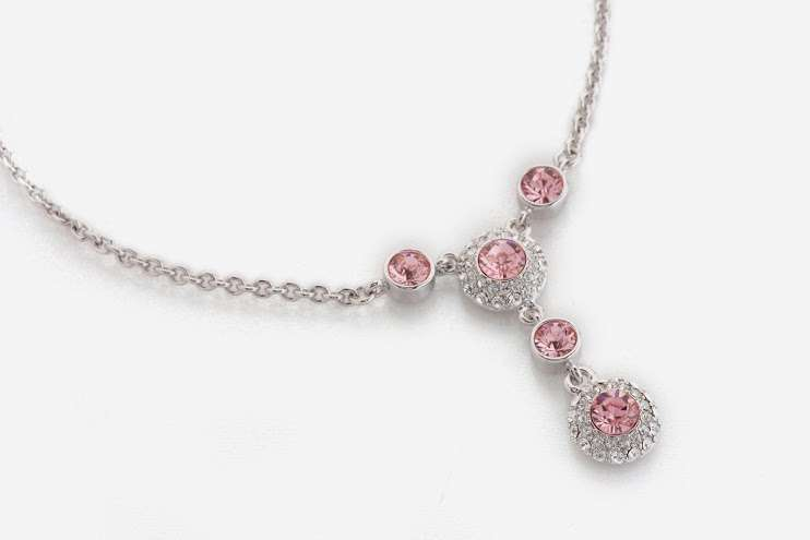 pink diamond necklace